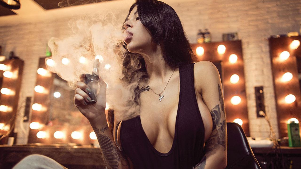 Hot Instagram Smoking Babes