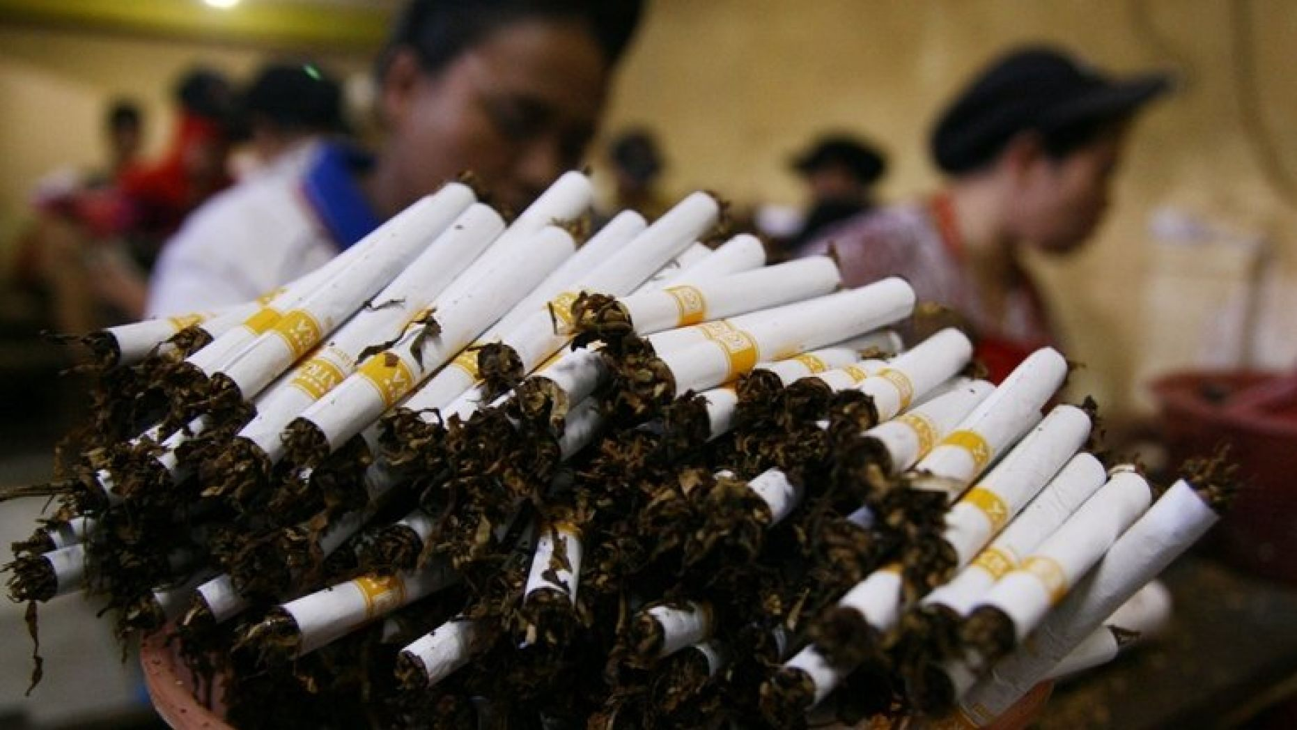 Indonesia & US Agree To End Clove Cigarette Dispute