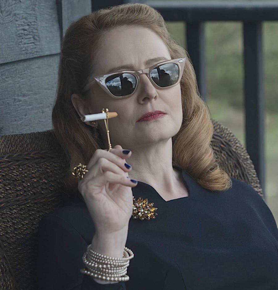 Aunt Zelda Cigarette Holder 00
