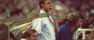 Johan Cruyyf Smoking