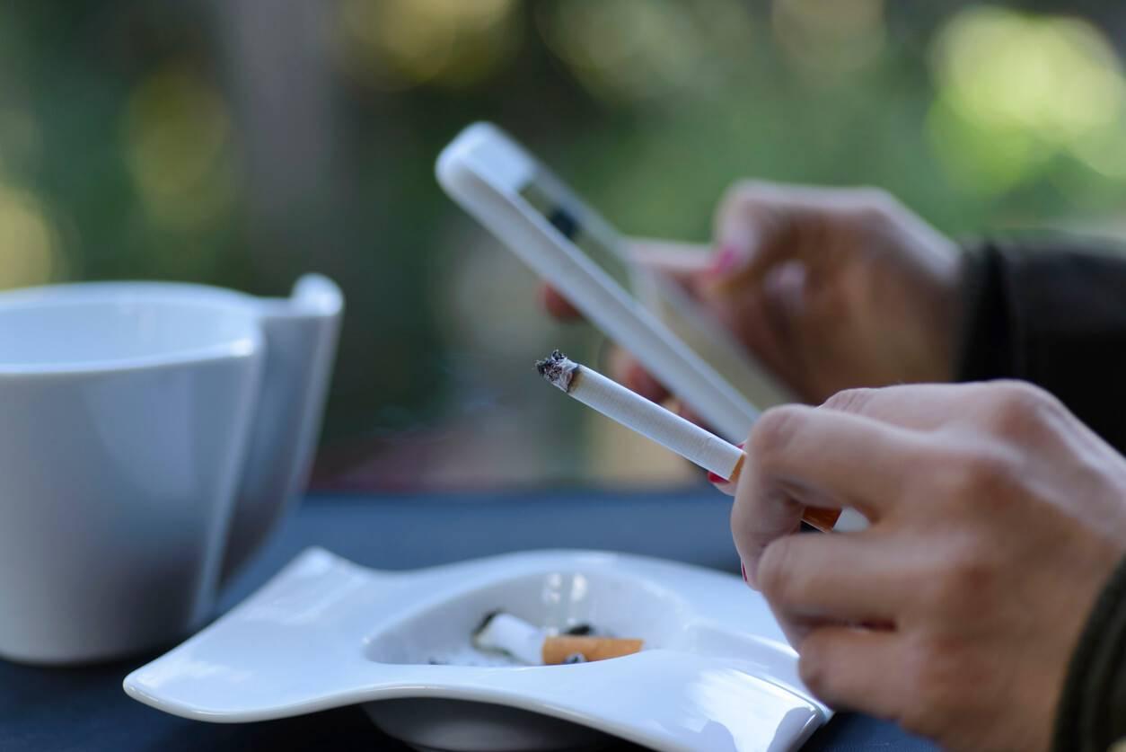 Smokitten Smoking Games