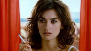 Penelope Cruz Smoking