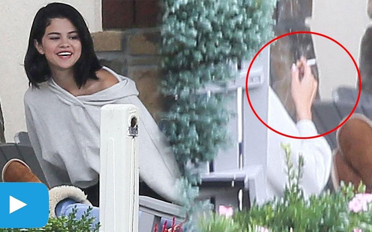 Selena Gomez Smoking