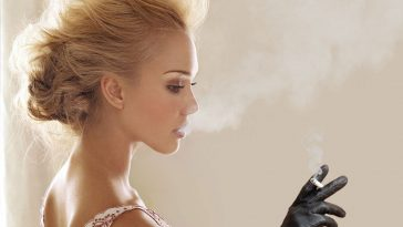 Jessica Alba Smoking
