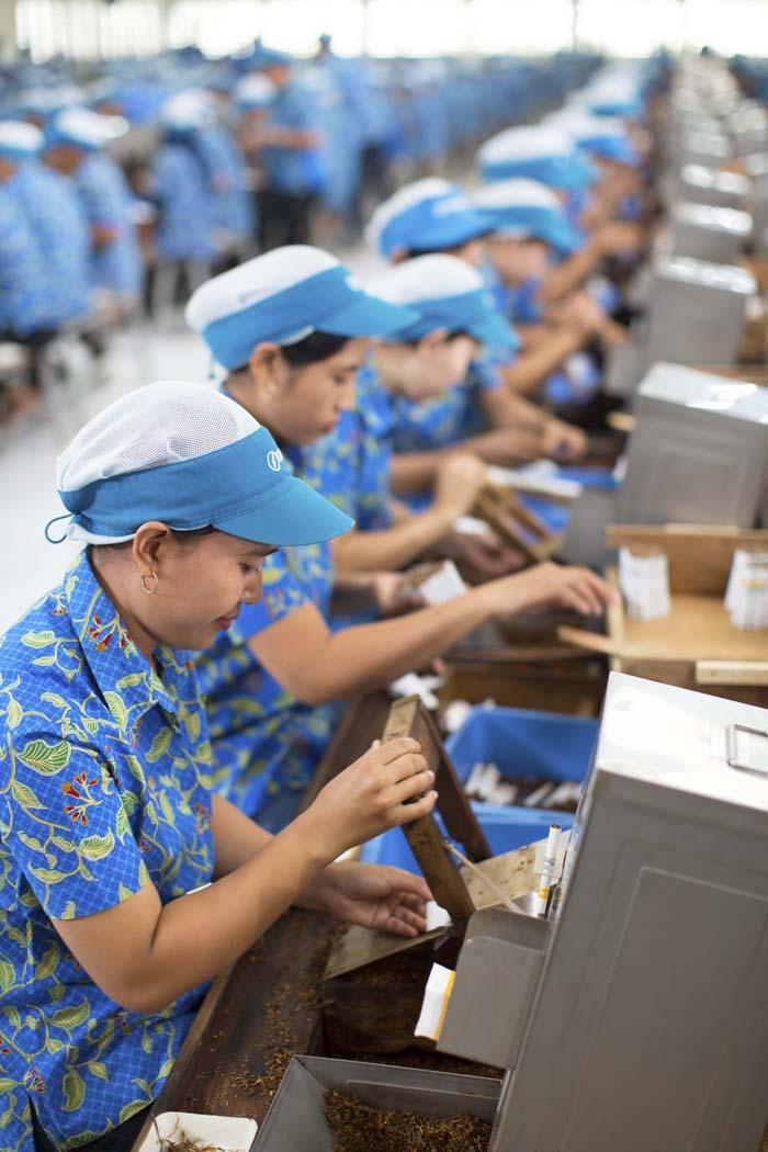 Kretek Workers
